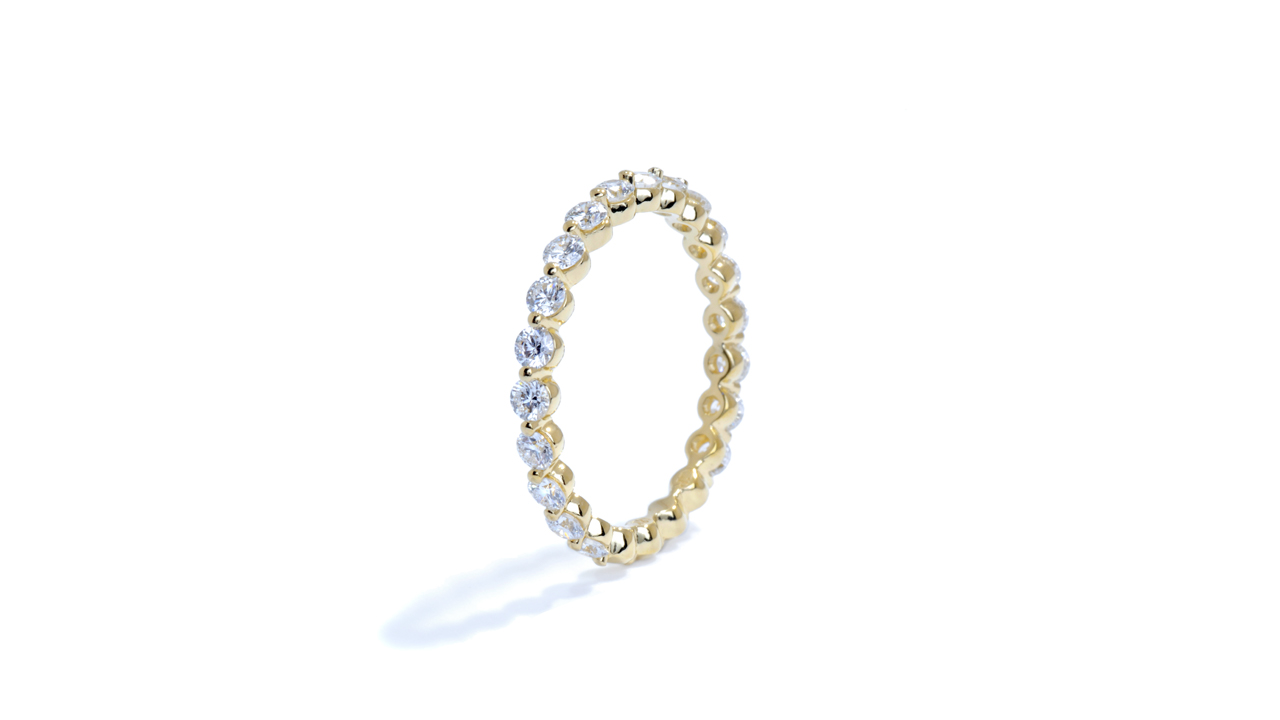 ja8361 - Petite Yellow Gold Diamond Wedding Ring at Ascot Diamonds