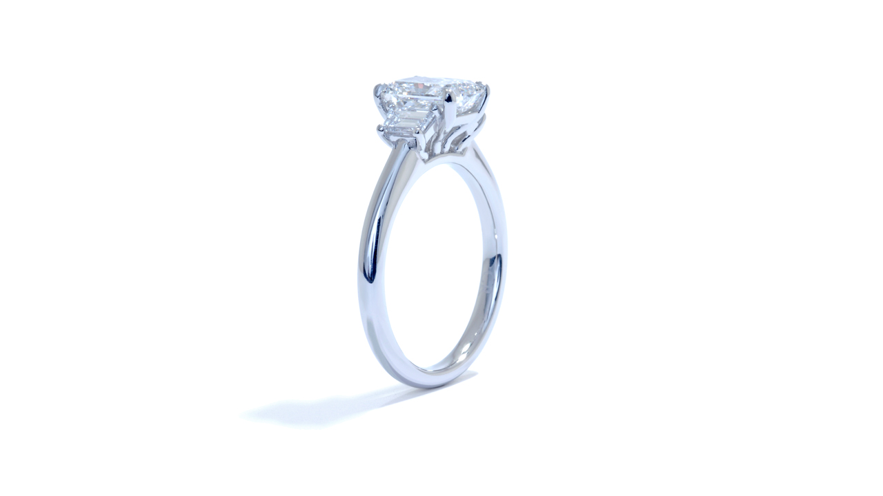 ja8516_lgd1048 - Radiant Cut Diamond Engagement Ring at Ascot Diamonds