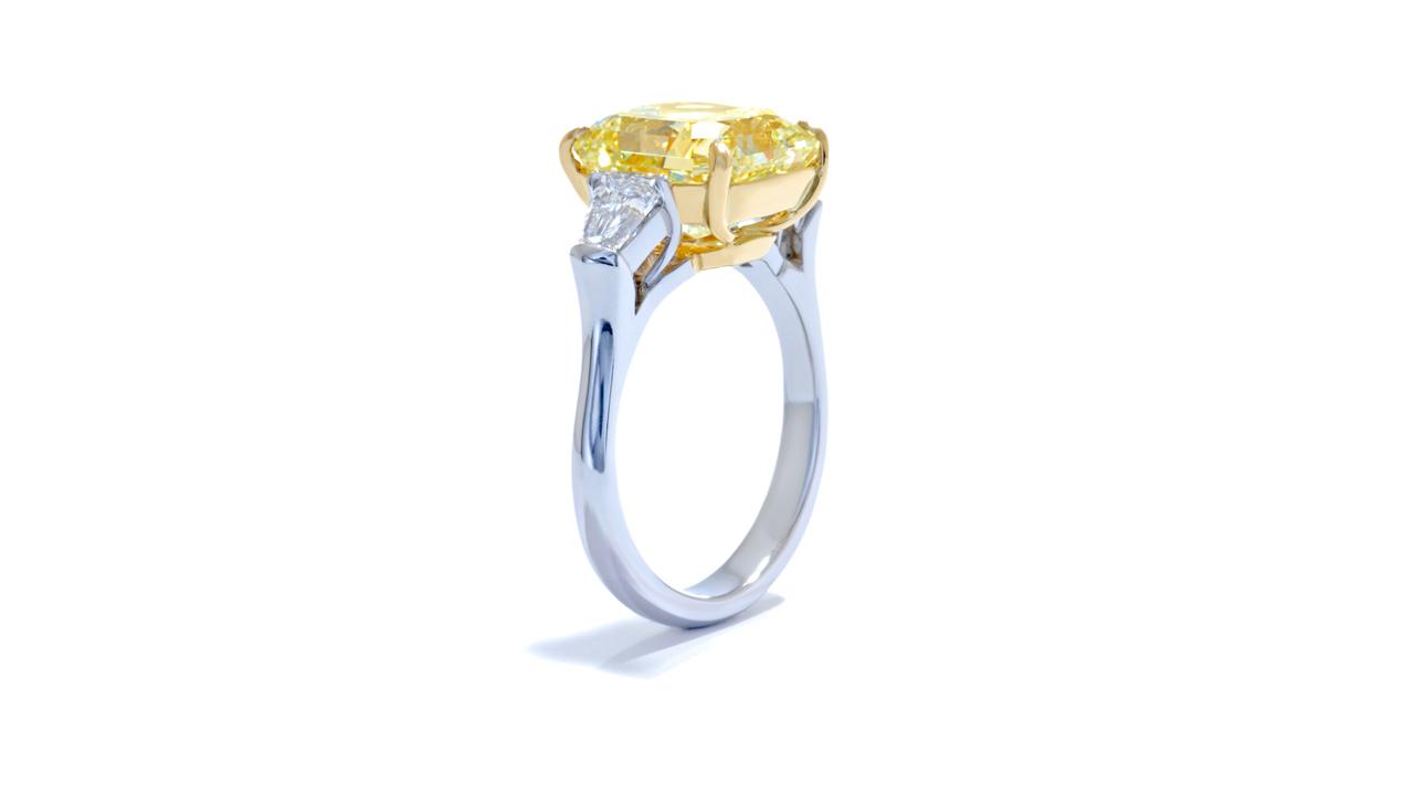 jb3316_d3952b - 5.40 carat Fancy Yellow Diamond Ring at Ascot Diamonds