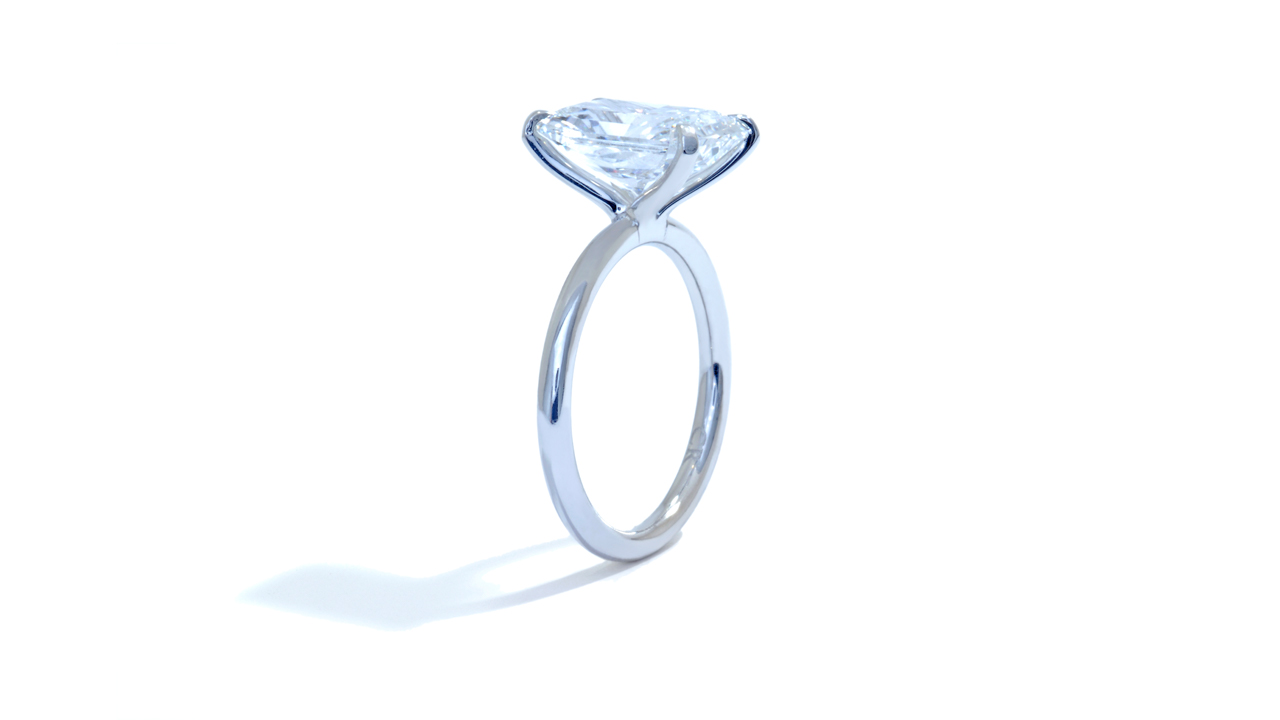 jb5218_lgd1610 - 4 ct Radiant Lab Grown Diamond Ring at Ascot Diamonds